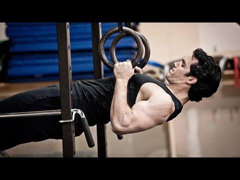 Training Henry Cavill & Antje Traue 'Man of Steel' Featurette