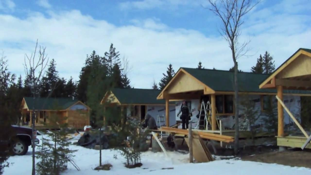 Ep 17 construction of medium 4 person cabins w bath for Cottages at camp creek