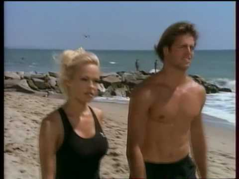 pamela anderson et matt brody david charvet dans alerte malibu youtube. Black Bedroom Furniture Sets. Home Design Ideas