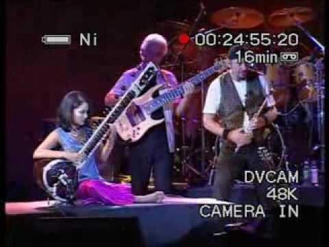 Jethro Tull & Anoushka Shankar - Live in Mumbai