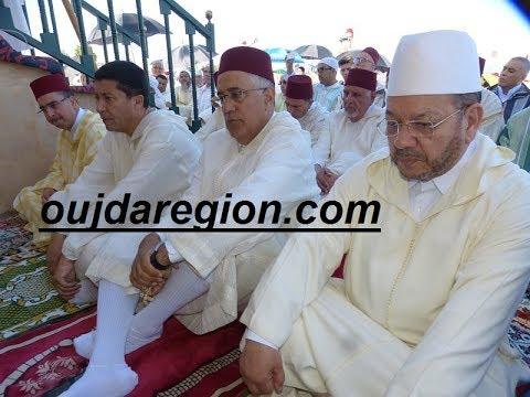 فيديو وصور..الوالي الجامعي يؤدي صلاة عيد الفطر بمصلى سيدي يحي بوجدة