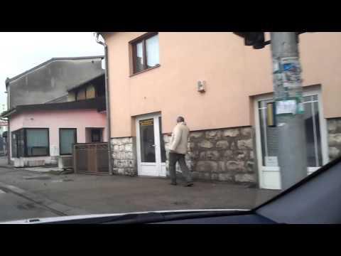 Pijanac na ulici, ne zna gdje ide :)