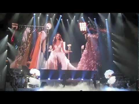 Enrique Iglesias & Jennifer Lopez In Concert 2012