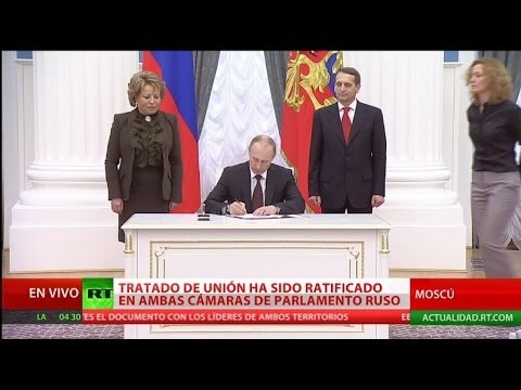 Vladímir Putin firma la ley sobre la adhesión de Crimea y Sebastopol a Rusia