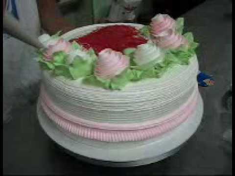 Modelos de tortas decoradas con crema chantilly - Imagui