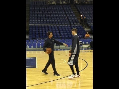 Atlanta Hawks' Kyle Korver basic three-point shooting drill at the O2