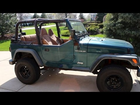 how to take off jeep wrangler top roof remove soft hard top tutorial step by step youtube. Black Bedroom Furniture Sets. Home Design Ideas