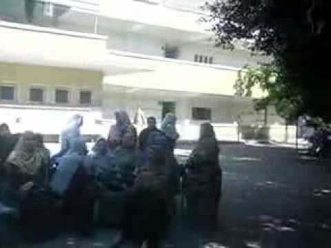 معلمات معهد أسيوط الإعدادي للبنين يضربن عن العمل احتجاجًا على نقلهم إلى قرى بعيدة