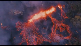 Lava flow from Hawaii's Kilauea volcano could leave 2,000 people trapped