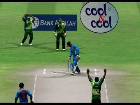 Junaid Khan vs Virat Kohli India - EA Cricket 2014