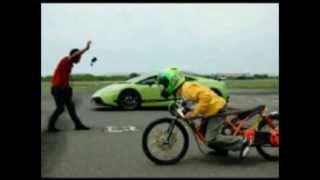 Xe MiÔ thái đua với Lamborghini