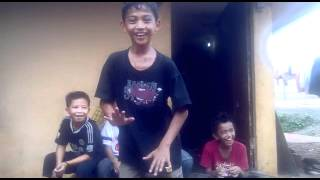 on Coboy junior parody(Dance Ala Bastian Cjr) - Yoga - YouTube