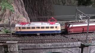 Die riesige Modellbahn im Modell-Eisenbahn-Museum in Japan
