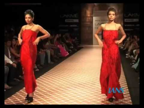 Lakme Fashion Week-Watch the models walk the ramp for Anita Dogre collection in Lakme Fashion Week