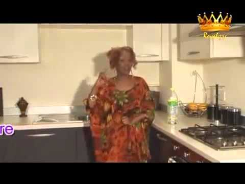 Hawo kiin vs Mohamoud amoore Heesti dhoof jaceyl New Video 2012   YouTube flv   YouTube freecorder c