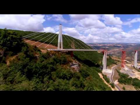 Technick� s�vislosti - Viadukt Millau