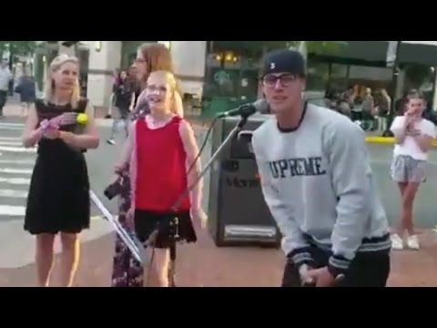Aww! Justin Bieber CRASHES Fan's Street Performance!