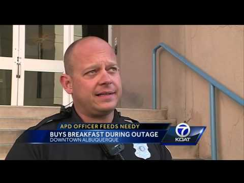 NM cop feeds needy out-of-pocket after power outage