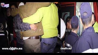لحظة إصابة رئيس فرقة شرطة محاربة المخدرات الفداء بعد مطاردة هوليودية لأكبر بزناس كان هربان من طنجة و حصل فكازا |