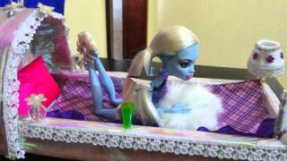 Cama Da Boneca Monster High Abbey Bominable Feita De
