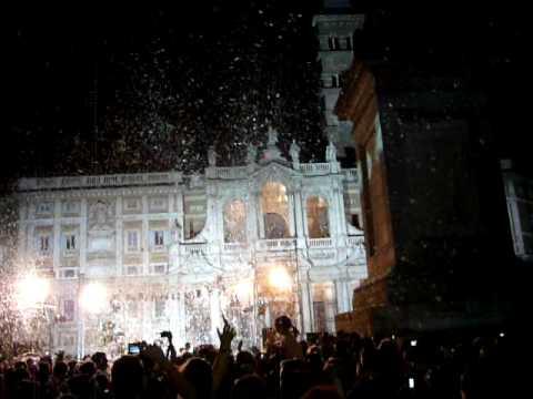 Nevicata alla festa Madonna della neve di Santa Maria Maggiore a Roma il 5/7/2009