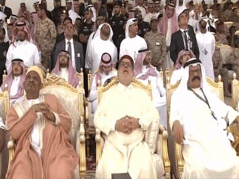 """بنكيران يحضر عرضا لقوات """"رعد الشمال"""" في السعودية"""