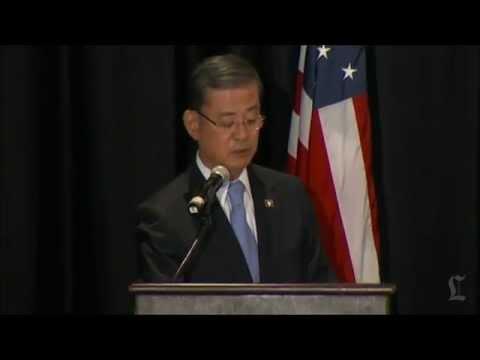 VA chief Eric Shinseki resigns, apologizes for scandal