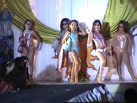 Fabiolita  Ramos Desfile Playa Sol Y Arena