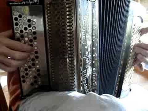 antique accordion Cooperativa Stradella - Trikot (Hanter Dro / An Dro)