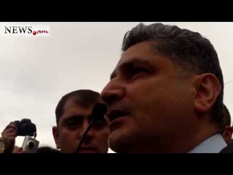 The Ex-Prime Minister of Armenia Tigran Sargsyan speaks with protestors