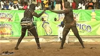 Lutte | Baye Ndiaga vs Fegueleu Jr