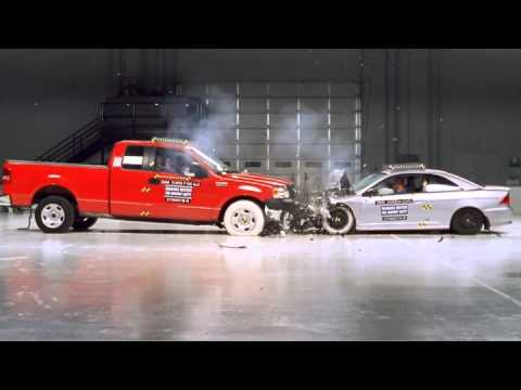 H  Nh    Nh Trong Video Ford F150 And Honda Civic Frontal Crash Test
