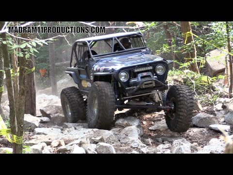 JEEP TJ COMPETES WITH THE ROCK BOUNCERS