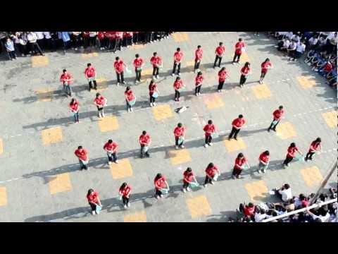 THPT Gia Định - Nhảy tập thể - 12AT (2009-2012) [10-2-2012]