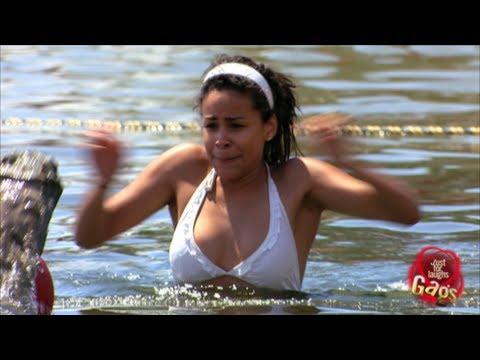 image vidéo تمساح يهاجم فتاة في النهر +18