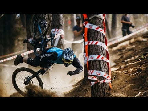 Mountain Bike Fails Compilation 2017 - Downhill & Freeride