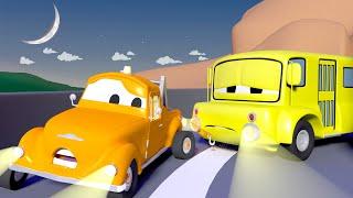 Lily necesita una bateria para no dormirse ZZZ - Tom la Grúa en Auto City | Dibujos animados