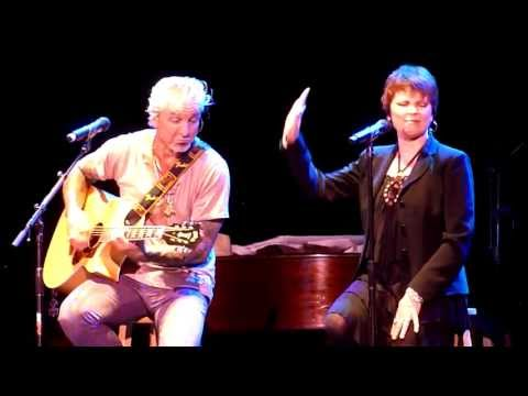 &quot;YOU BETTER RUN&quot; -- Pat Benatar, acoustic and bluesy in 2011