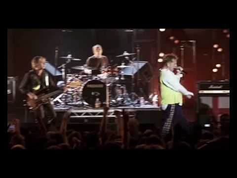 Sex Pistols - Beside the Seaside & Holidays in the Sun [Live From Brixton Academy 2007] 08