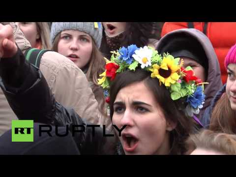Ukraine: Students out in force as Kiev remains site of protest