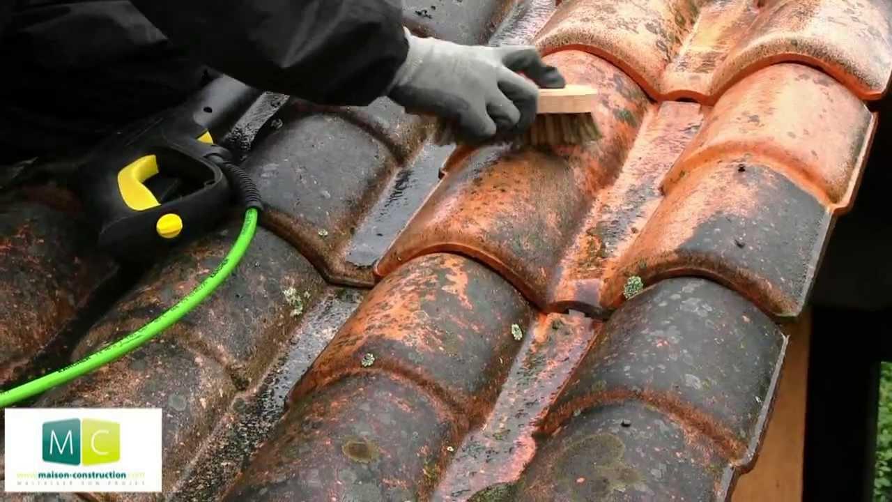 Nettoyage toiture d moussage toiture anti mousse youtube - Produit pour nettoyer les tuiles ...