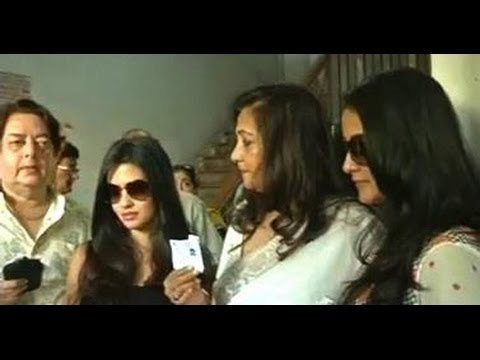 TMC candidate Moon Moon Sen casts vote