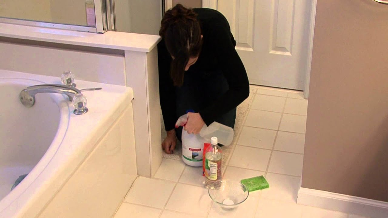 house cleaning stain removal removing mold on bathroom caulk youtube. Black Bedroom Furniture Sets. Home Design Ideas