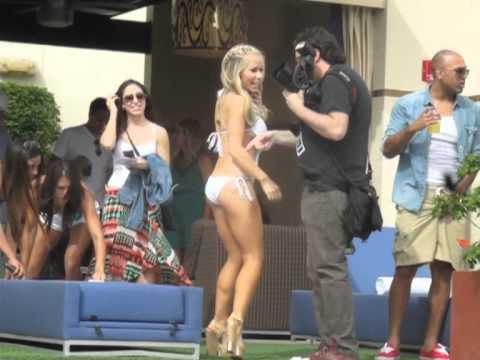 Kendra Wilkinson at Wet Republic Ultra Pool, Las Vegas, Nv