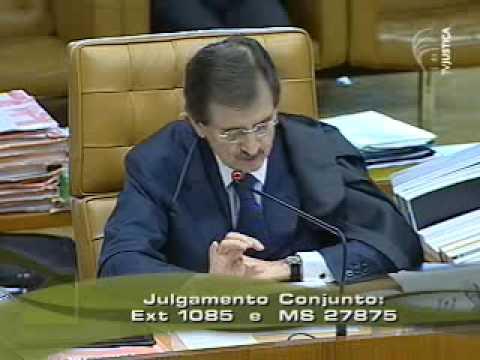 Voto do ministro Peluso no caso Battisti - parte 1 (6/20)