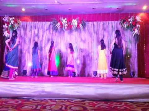 Friends Dance Performance in Khushboo-Vishal Sangeet Sandhya