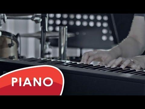 Shakira & Rihanna - Can't remember to forget you - Piano instrumental / karaoke