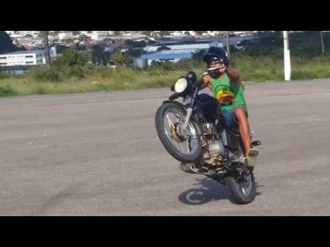 Empinando Moto -  Monte dos Guararapes