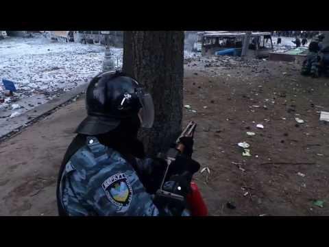 Взгляд со спины на Грушевского 22.01.2014
