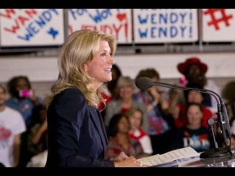 Wendy Davis Makes Bid for Governor Official